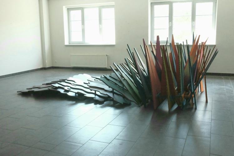Wandel, Werner Rückemann, Wabenkarton, Holz, Farbe, Vielfalt, Dülmen, St Barbara Kaserne, 2021