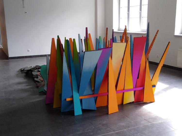 Wandel, Werner Rückemann, Wabenkarton, Holz, Farbe, Atelier Münster, 2021